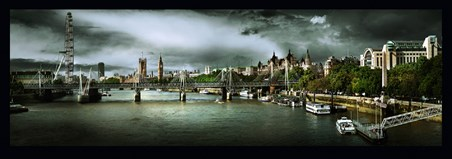 The Eye Watches Over The Thames - Stephane Rey Gorrez
