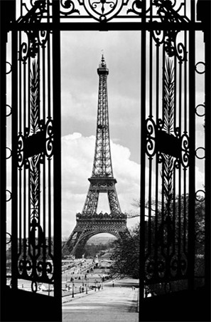 La tour eiffel 1909 vintage paris wall mural buy online for Eiffel tower wall mural black and white
