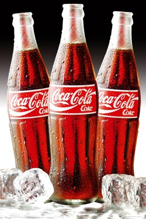 On the Rocks! - A Coca Cola Trio