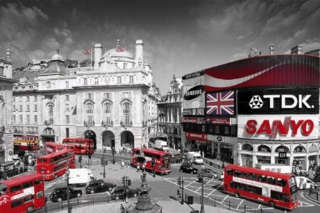 Rush Hour in Piccadilly Circus - Colourlight Photography