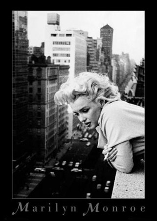 Marilyn Relaxing - Marilyn Monroe