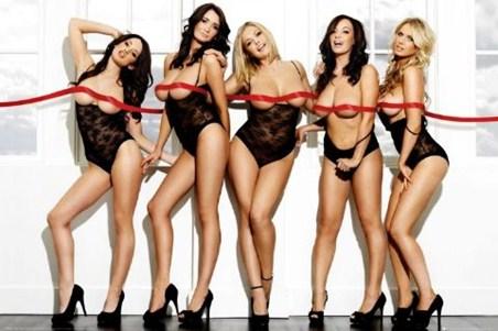 Red Ribbon - Topless Girls
