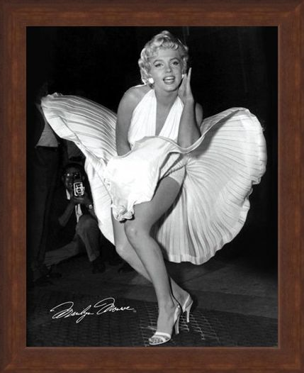Framed Framed The Classic Seven Year Itch Pose - Marilyn Monroe