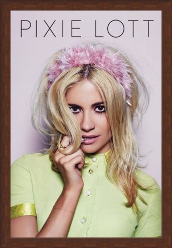 Framed Framed Young Foolish Happy - Pixie Lott