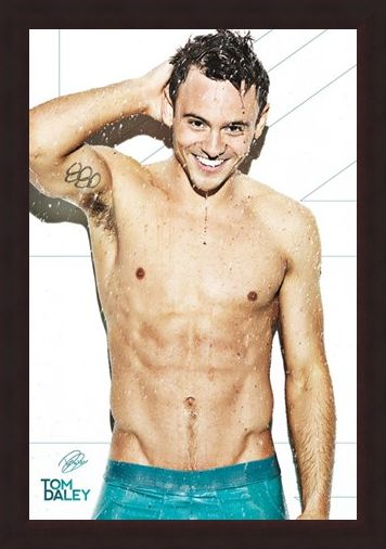 Framed Framed Tom Daley - Shower Time