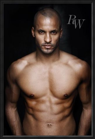 Framed Framed Undressed to Thrill - Ricky Whittle