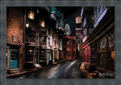 Framed Framed Diagon Alley - Harry Potter