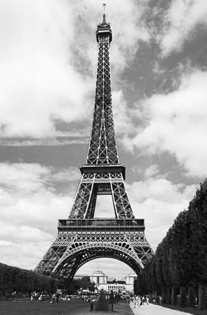 La Tour Eiffel by Henri Silberman - Photography Mini Mural