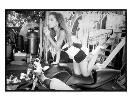 Gloss Black Framed Bike - Ariane Grande