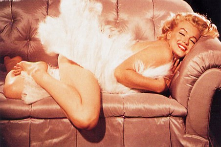 A Diva On The Sofa - Marilyn Monroe