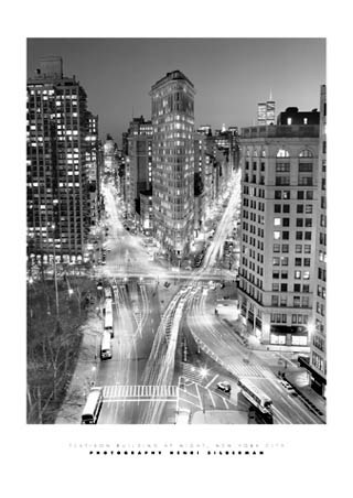 Flat Iron Building at Night, New York City - Henri Silberman