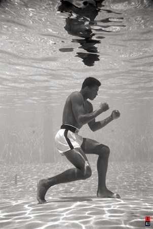 Underwater Boxing - Muhammad Ali