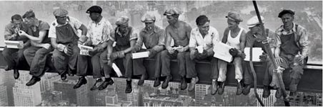 Men On A Girder Eating Lunch - New York City Collection