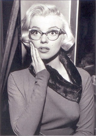Surprised Star - Marilyn Monroe