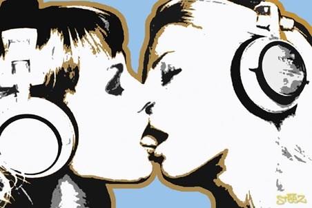 Girls Kissing - Steez